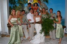 Wedding_party_at_sandbar_2